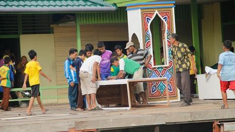Gotong Royong Dalam Rangka MTQ Tingkat Kabupaten Sambas Tahun 2013