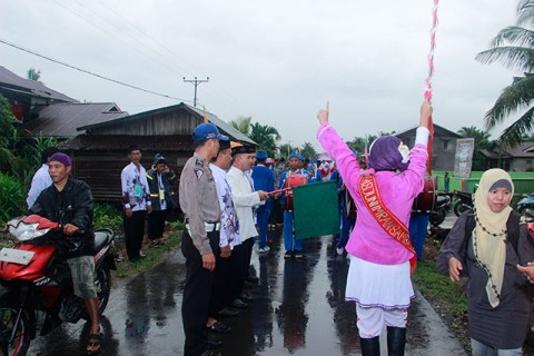 Pawai Ta'ruf MTQ Tingkat Kabupaten Sambas Tahun 2013